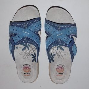 New Earth shoes denim/suede upper velcro strap US6